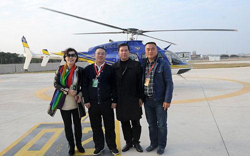 绿之韵快乐飞翔直升机俱乐部成员在厦门试航