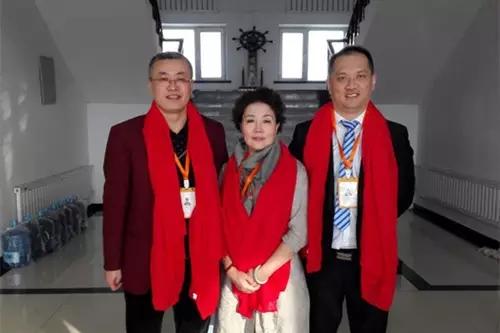 邢�9n��iy.'9c.�c.�fh_市场优秀领导人邢世俊先生,任筱梅女士,刘浩先生合影