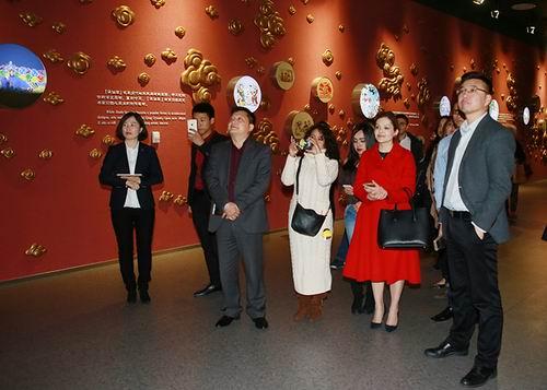 厄瓜多尔驻上海总领事馆总领事参观安惠公司
