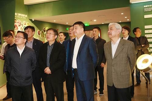 扬州市委统战部常务副部长一行考察安惠公司