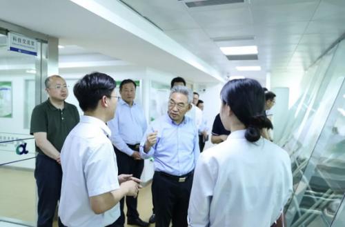 国家农业农村部张桃林副部长调研安发生物